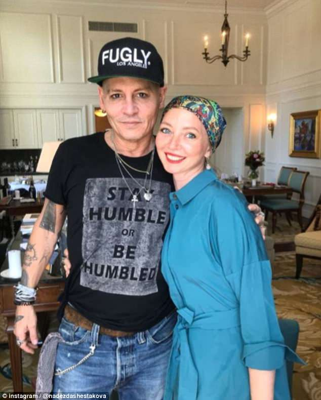 johnny-depp-se-ve-enfermo-foto-fan
