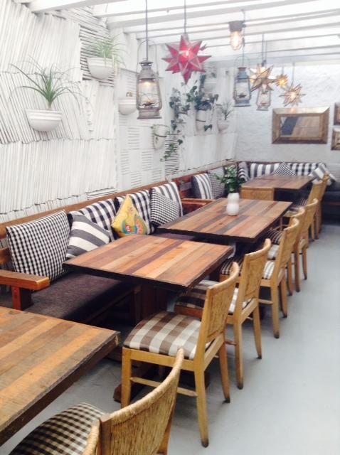 George un restaurante que conquista actitudfem for Precios de muebles para cafeteria