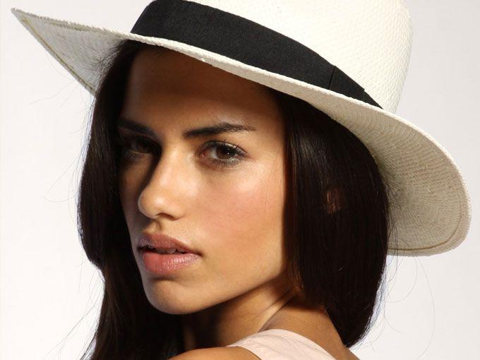 peinados que todas las amantes de los sombreros deben dominar