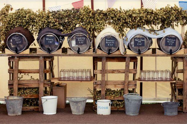 formas sper elegantes de servir cerveza en tu boda