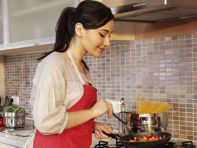 5 tips para cocinar sin aceite soyactitud for Cocinar wok sin aceite