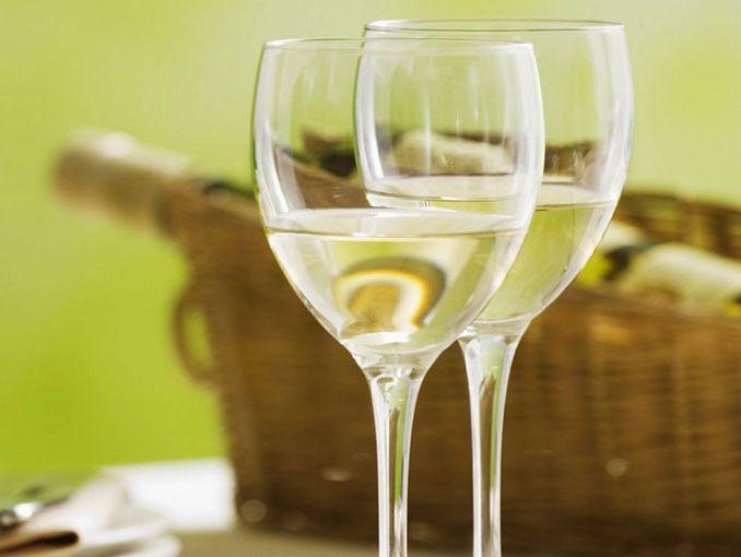 Beneficios del vino blanco actitudfem for Copa vino blanco