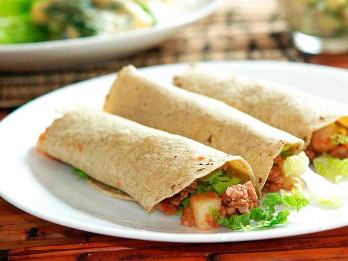 Receta de tacos de carne con papas actitudfem for Preparar cena para amigos en casa