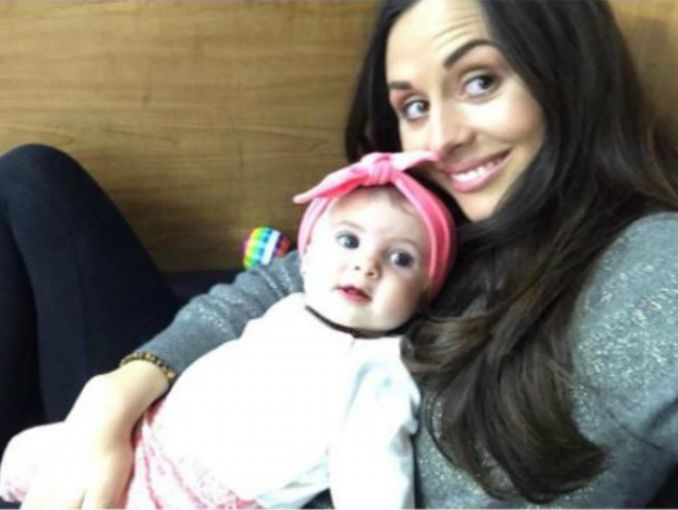 Zuria Vega muestra su figura a seis meses de convertirse en mamá