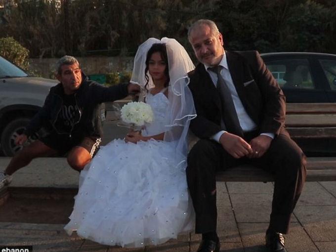 En los campos de refugiados sirios, por ejemplo, cada vez más niñas son obligadas a contraer matrimonio.