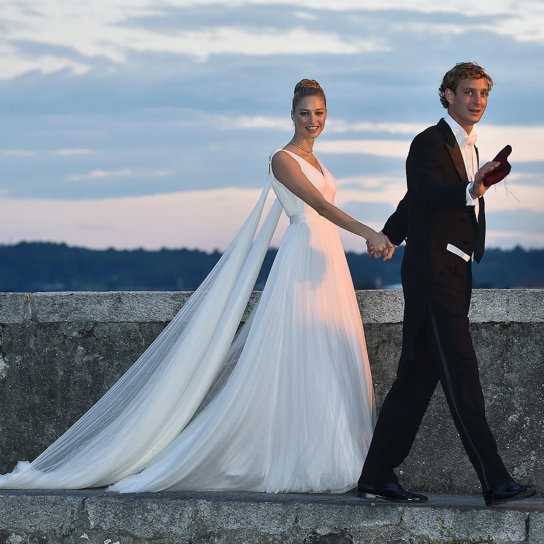 Vestidos de novia de la esposa de Pierre Casiraghi | ActitudFem