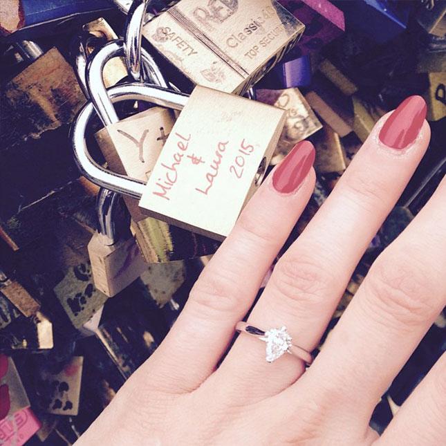 131ff7fcbef8 Alto! No subas la foto de tu anillo de compromiso sin leer esto ...