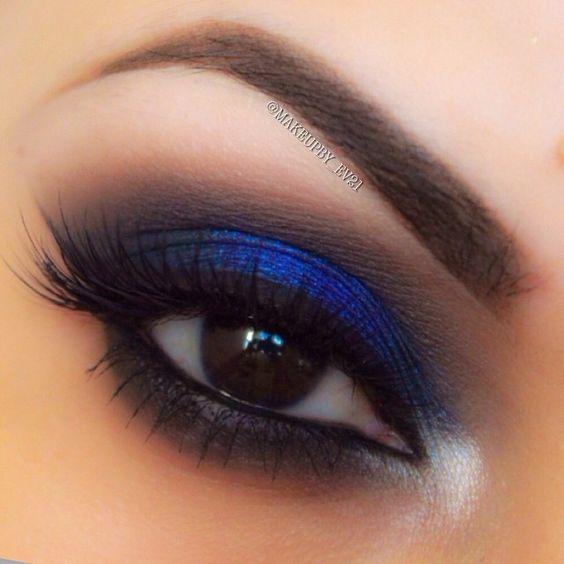 Maquillaje para vestido color azul marino