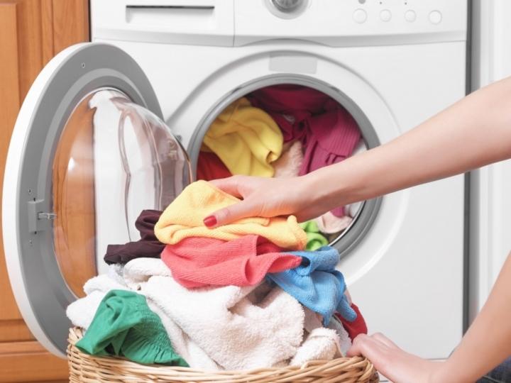quitar el olor de axilas en la ropa
