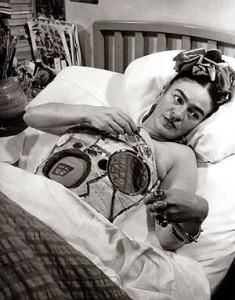 Cuando frida kahlo se convirti en un ejemplo de vida para m actitudfem - Rino gaetano nel letto di lucia ...