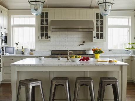 Est s engordando en tu cocina actitudfem - Bancos para la cocina ...