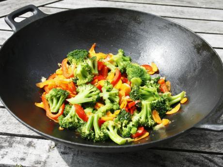 5 tips para cocinar en wok actitudfem