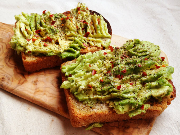 Receta snack pan tostado con aguacate actitudfem for Q hago de comer