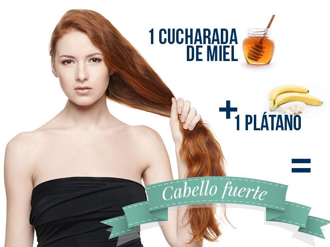 El aceite del árbol de té para usar para los cabellos