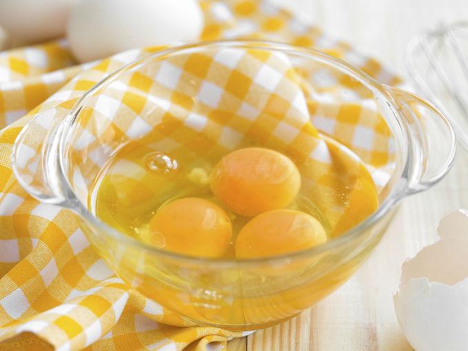 la clara de huevo para que sirve
