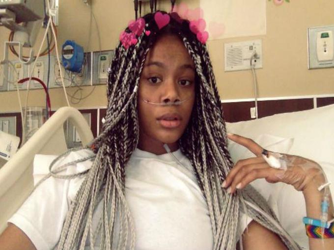 La selfie en el hospital y comentarios cayendo en 3,2,1 con frases tales como: ¿qué te pasó?, ¿estás bien? (Sí, tristemente me declaro culpable de aplicarla) / WeHearit