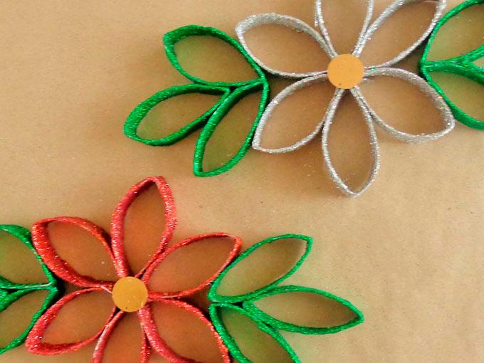 Manualidades y decoraciones navide as hechas con rollos de for Cosas navidenas para hacer en casa