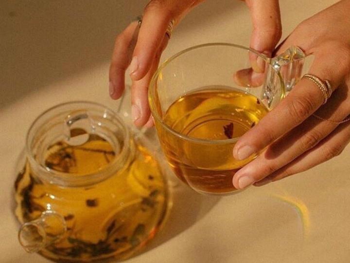 Agua de manzanilla adelgaza tomar