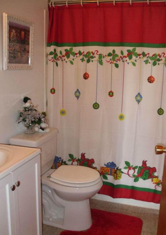 9 creativas formas de decorar tu ba o para la navidad - Cortinas de papel para navidad ...