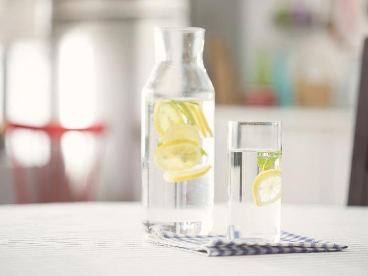 Foto ilustrativa de agua de limon