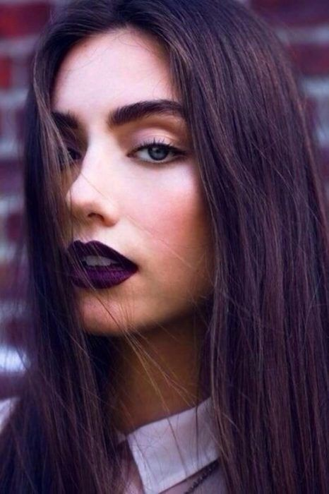 como-usar-lipstick-morado
