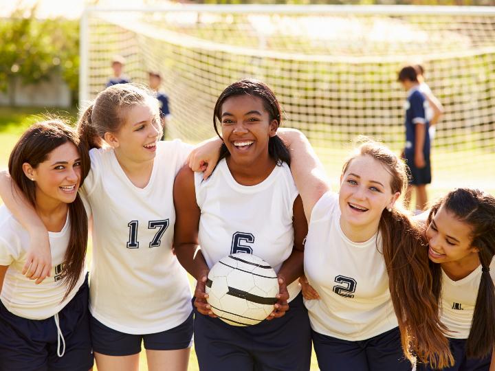 Imagen ilustrativa: mujeres de un equipo de fútbol.