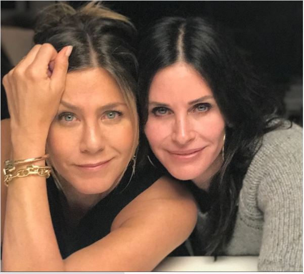 courtney-cox-jennifer-aniston-instagram