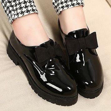 haz-brillar-tus-zapatos-de-charol