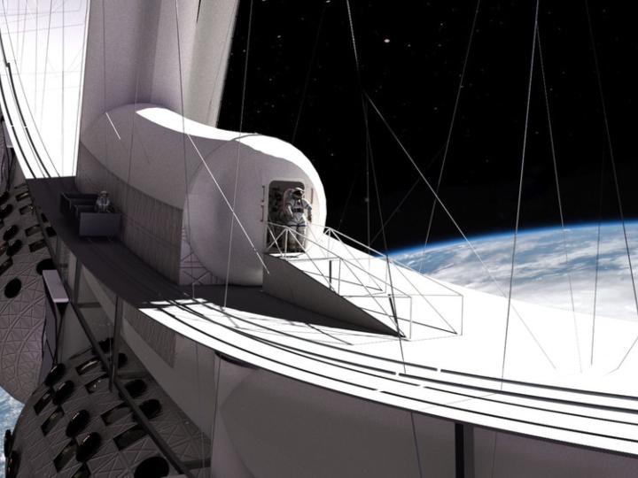 Render de un astronauta saliendo al espacio por una puerta del hotel