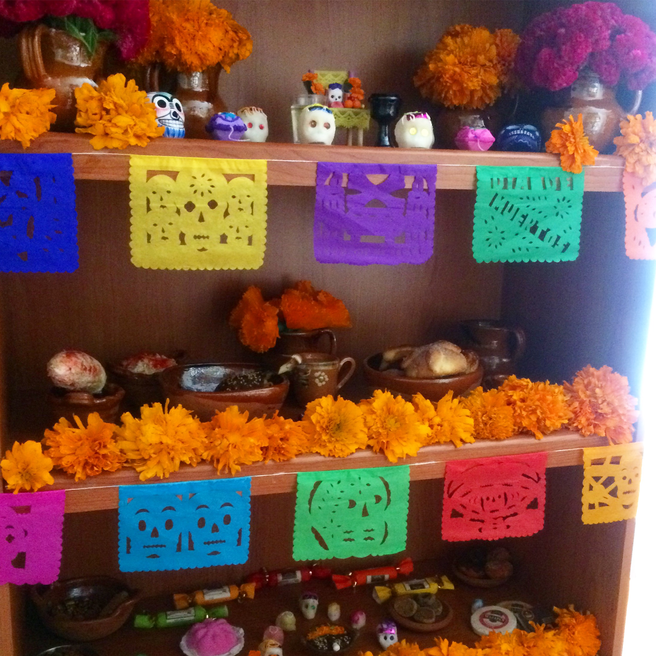 ideas-para-decorar-ofrenda-pequena-dia-de-muertos