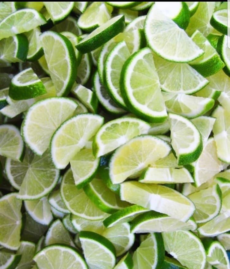 Juego de limón para eliminar manchas de la cara