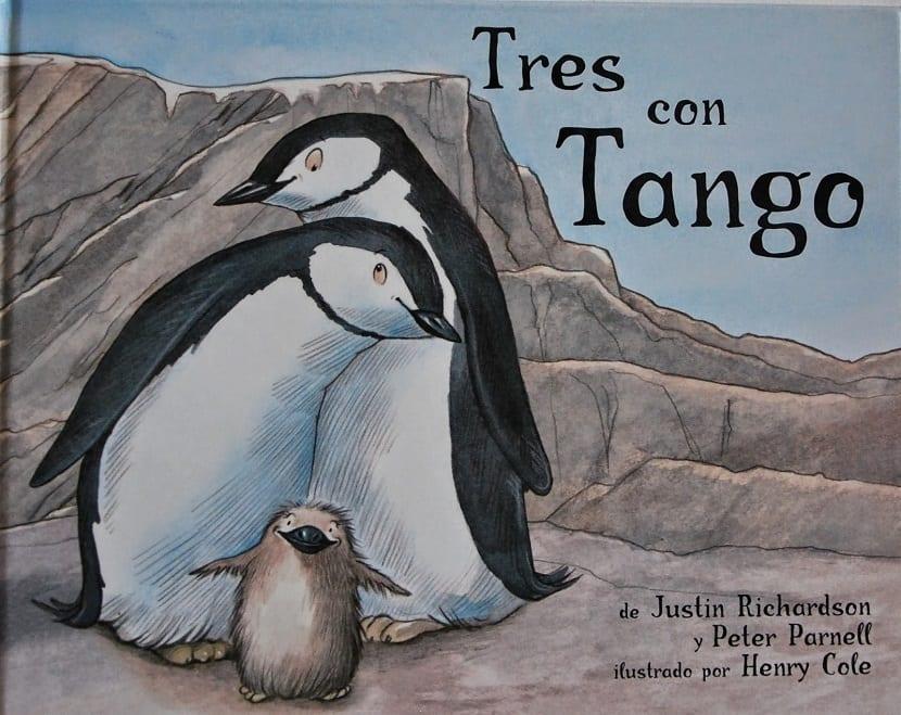 Portada de Tres con Tango de Justin Richardson y Peter Parnell, con ilustraciones de Henry Cole