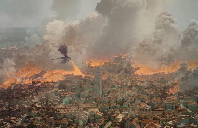 El dragón Drogon atacando Kings Landing en episodio 5 de la temporada 8 de Game of Thrones
