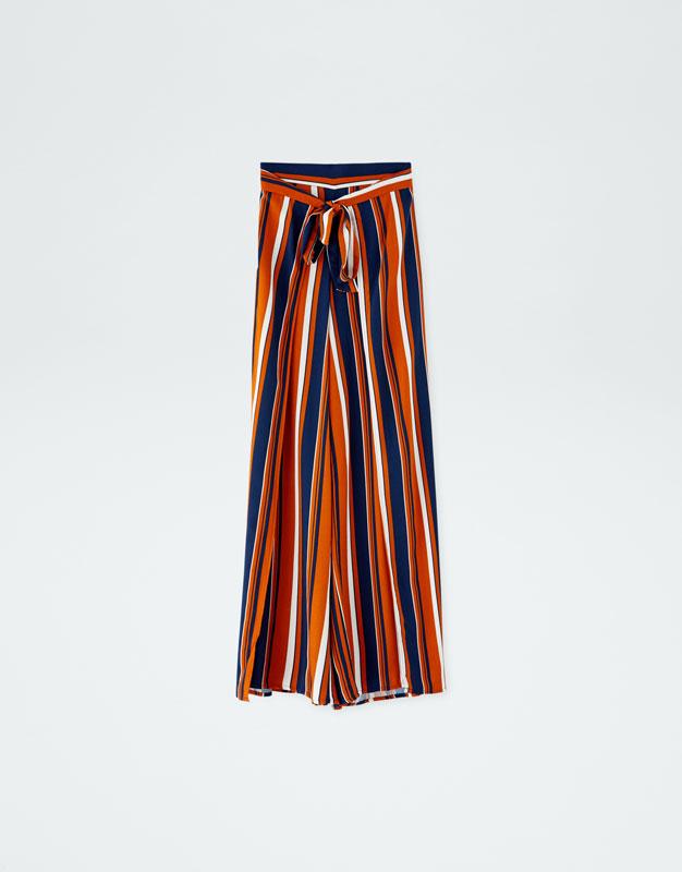 Pantalones De Rayas Como Usarlos Y Donde Comprarlos Este Otono Invierno 2018 Actitudfem