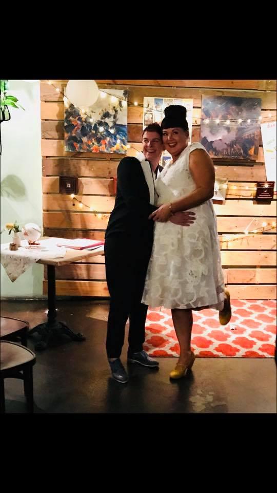 tammy-hall-novia-usa-su-vestido-en-todos-lados