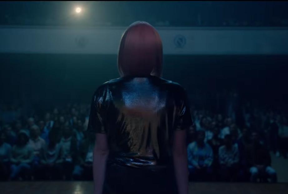 temporada-5-black-mirror-nuevo-trailer-miley-cyrus-5
