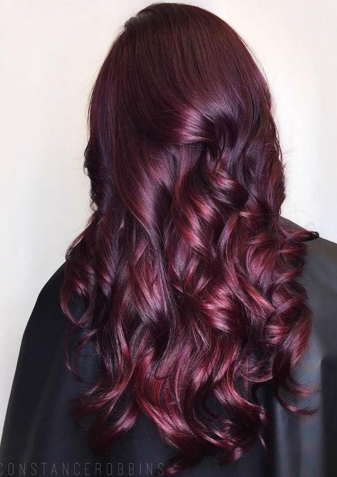 Pelo en color violeta