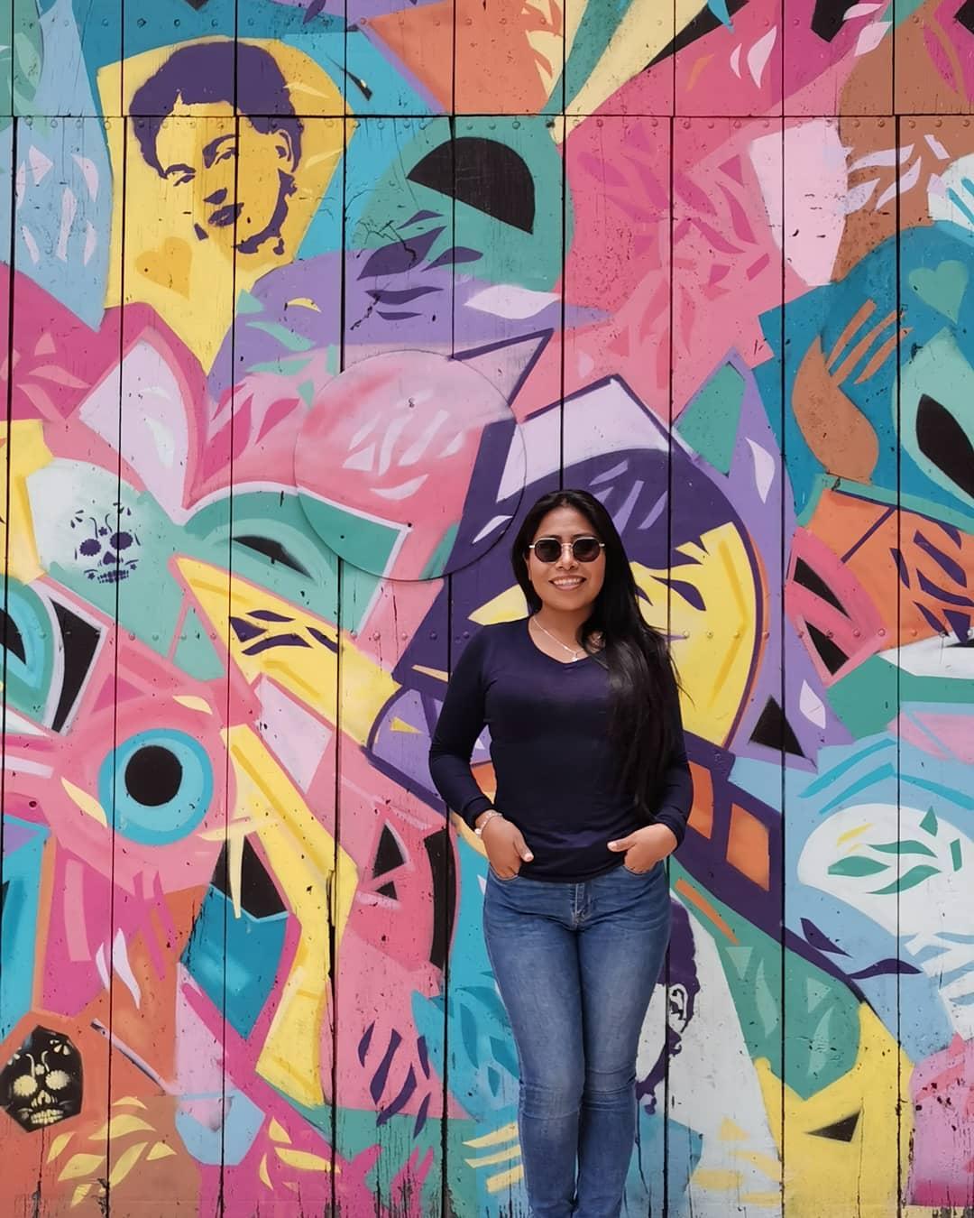 yalitza-foto-en-jeans-causa-polemica