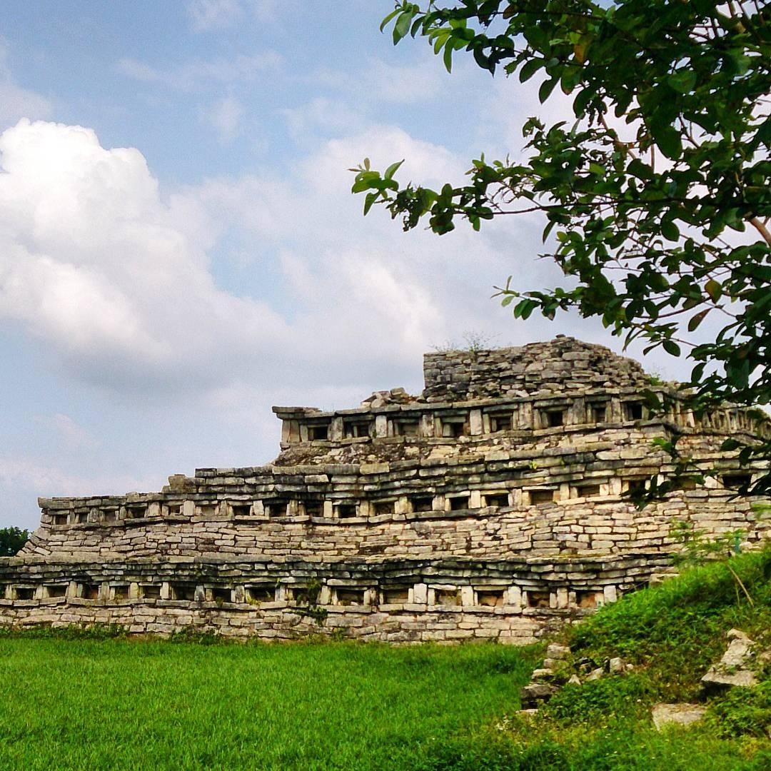 yohualichan-cuetzalan-zona-arqueologica-en-pueblo-magico-de-puebla