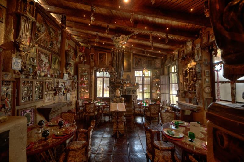 interior del restaurante San miguelito