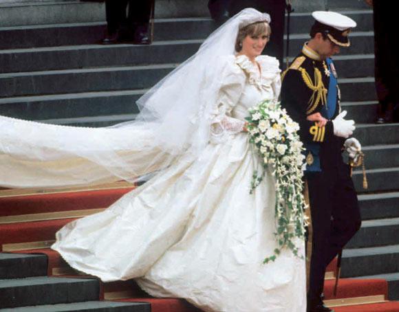 curiosidades que nunca imaginamos sobre el vestido de novia de lady