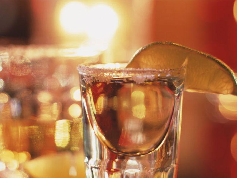 el alcohol ayuda a bajar de peso