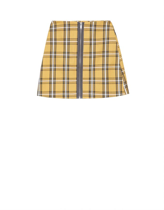 a258de60d Falda corta amarilla con cuadros y cierre completo enfrente