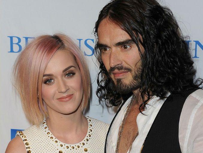 Mujeres Música Katy Perry Cabello Azul Desgaste Cantantes: Katy Perry Firma El Divorcio Con Carita Feliz