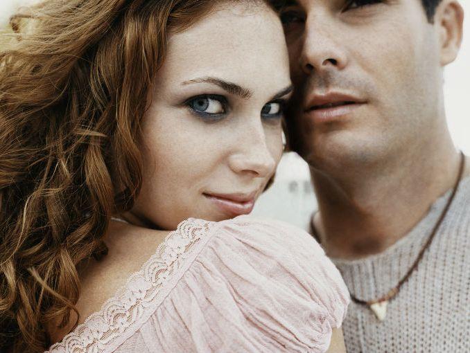 Amistad entre un hombre casado y una mujer soltera
