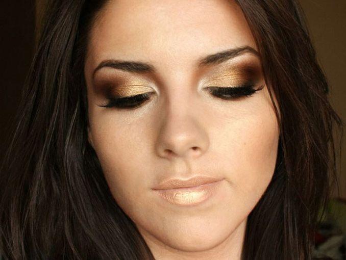 Maquillaje con vestido negro de fiesta