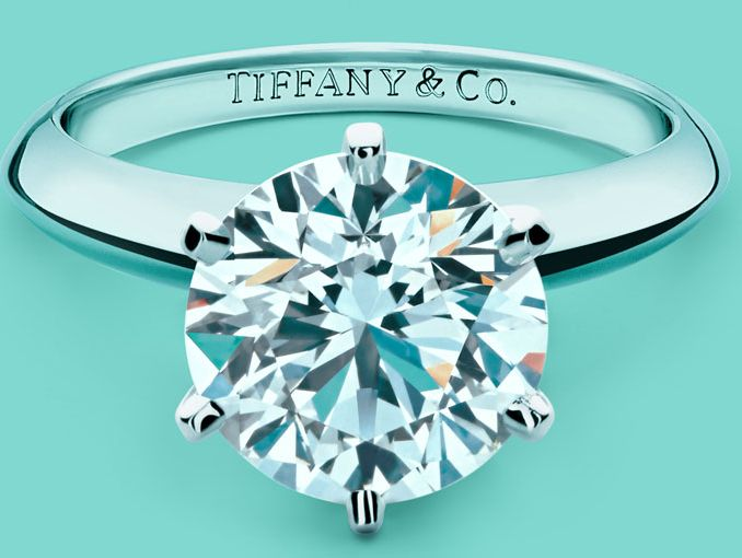 bc01f47007b1 Los anillos de compromiso de Costco son mejores que los de Tiffany ...