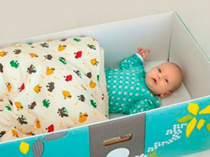 poner a tu beb en una caja de cartn no te hace mala madre - Cunitas De Bebe
