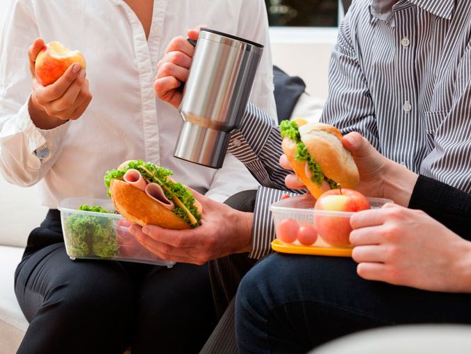 Resultado de imagen para comida en el trabajo