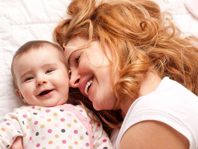 Estudio revela que las mamás son las que menos duermen.